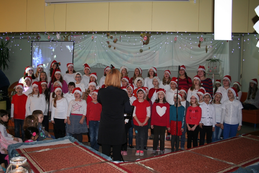 2016-12-23_peoslava-ples_0002