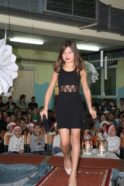 2016-12-23_peoslava-ples_0013