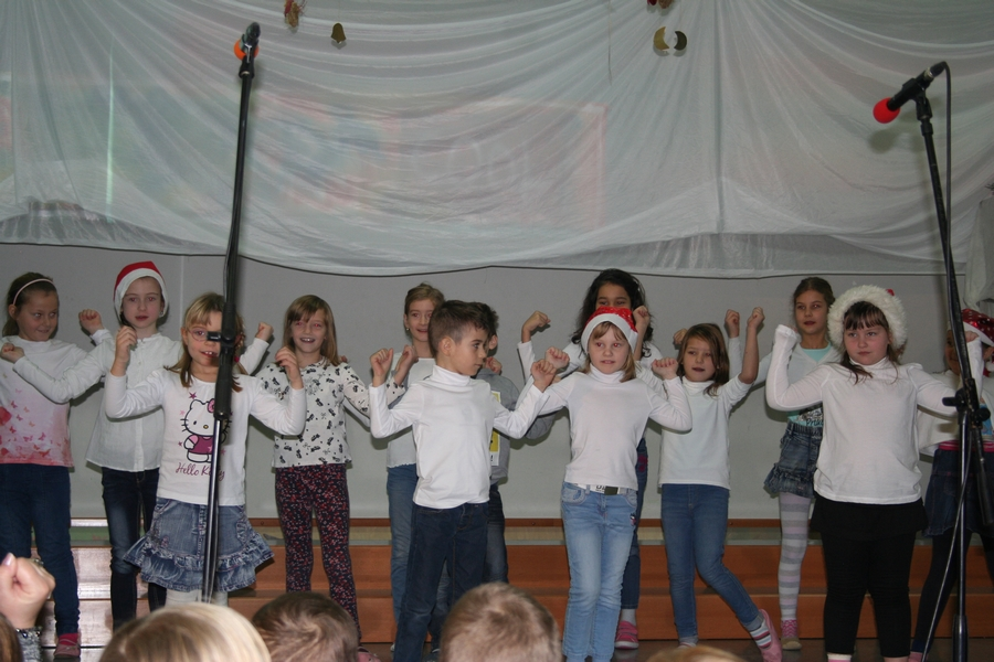 2016-12-23_peoslava-ples_0023