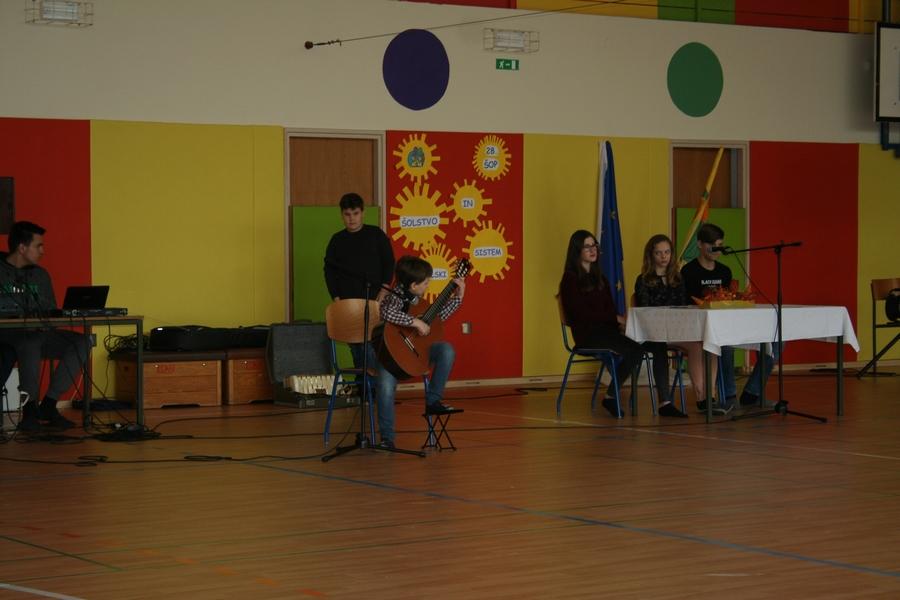 2018_01_31_solski-parlament_0024-kitara